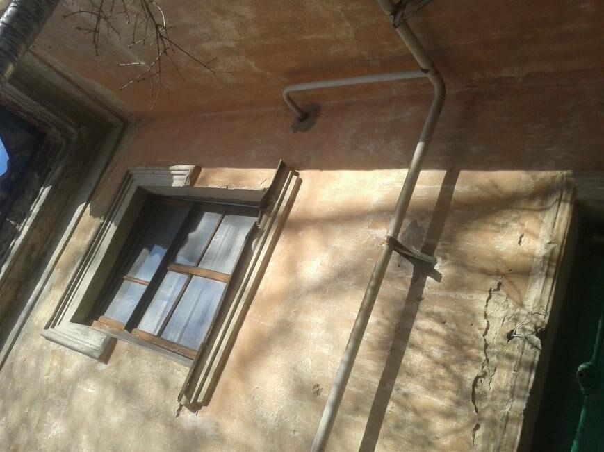 """""""Просто хочу нормально жить""""... Жители одного из домов Пскова боятся за свои жизни, фото-1"""