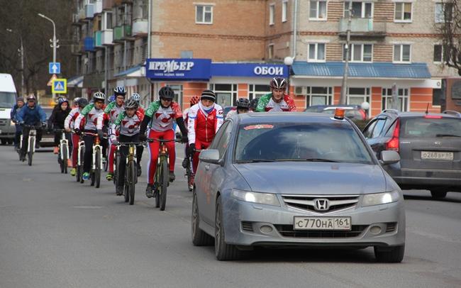 Псковичи приветствовали участников велопробега «Спасибо за Победу — мы есть, потому что они были!», фото-1