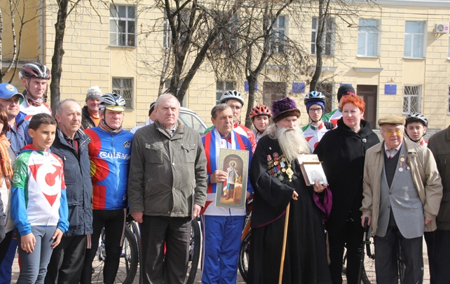 Псковичи приветствовали участников велопробега «Спасибо за Победу — мы есть, потому что они были!», фото-4