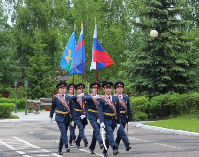 Торжественным построением отметили День России в Псковском филиале Академии ФСИН, фото-2