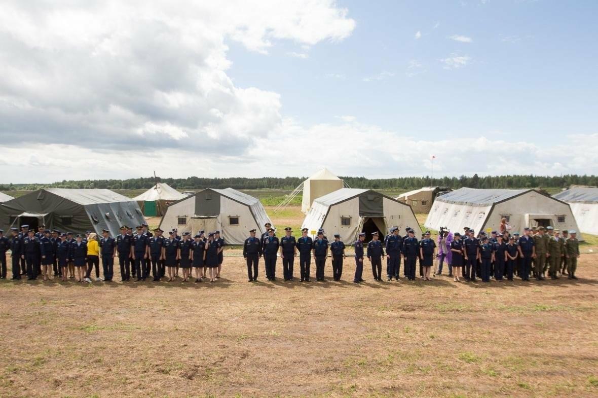 В Псковской области стартовал чемпионат Вооруженных сил РФ по парашютному спорту , фото-1