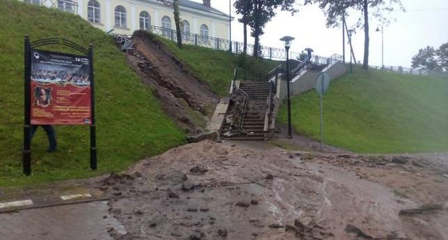 Размытые дождем лестницы в Финском парке восстановят по гарантии, фото-2