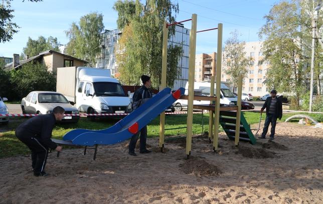 В Пскове отремонтировали 18 детских игровых площадок, фото-2