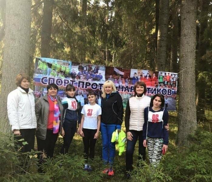 В Псковском районе прошел легкоатлетический кросс прошел под девизом «Спорт против наркотиков!», фото-1