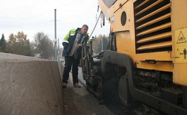 Работы по ремонту асфальтового покрытия на Ольгинском мосту планируется завершить досрочно, фото-3