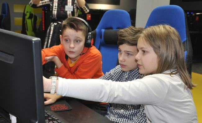 Школьники Пскова и области на скорость решали задачи по программированию, фото-1