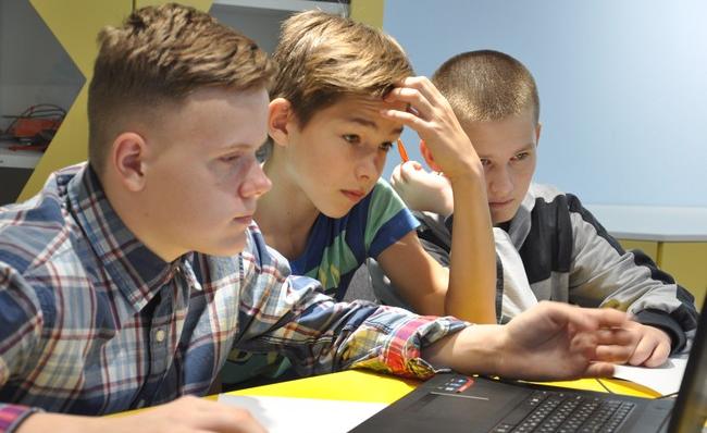 Школьники Пскова и области на скорость решали задачи по программированию, фото-2
