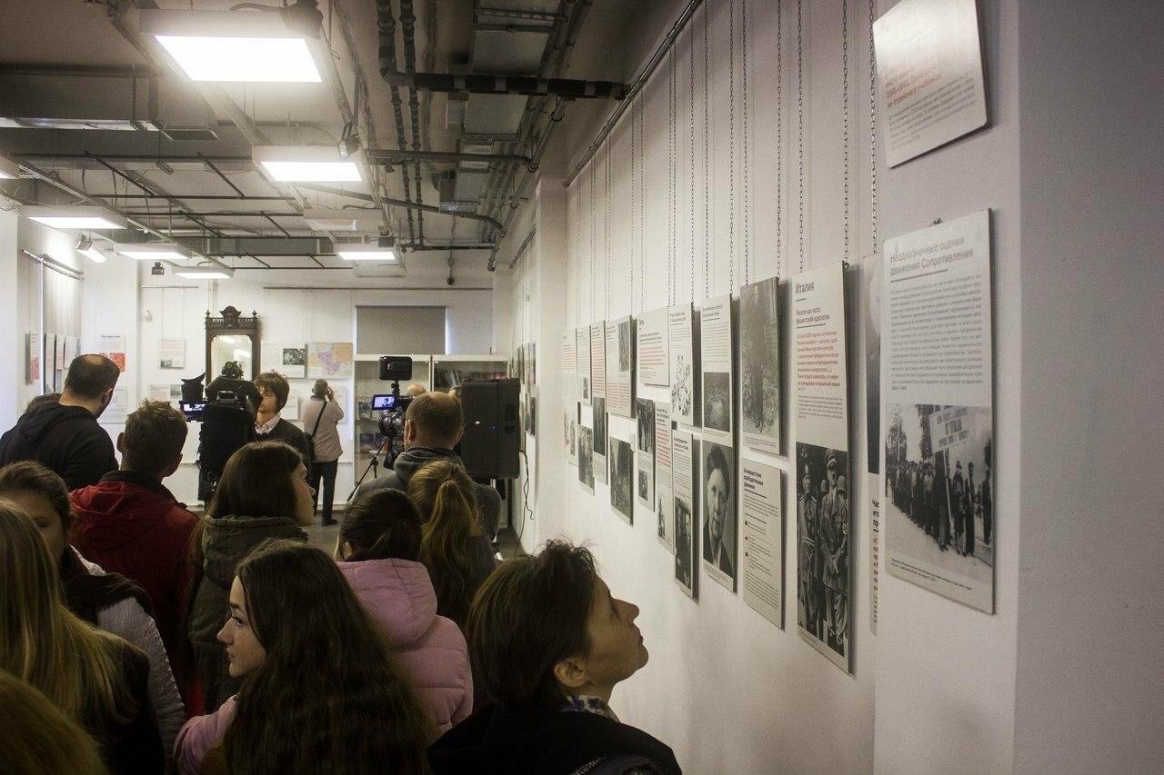 """19 октября состоялось открытие выставки """"Разные войны"""", фото-2"""