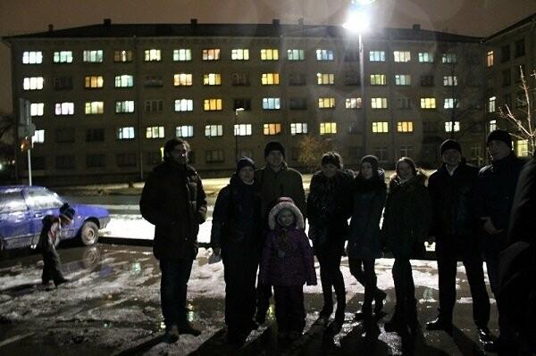 Команда «Молодежки ОНФ» в Пскове провела акцию в честь Дня Конституции, фото-2
