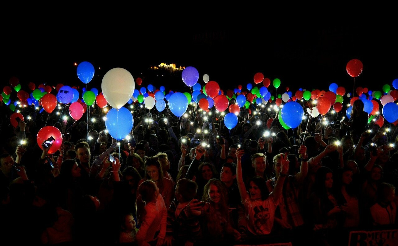 Сегодня, псковичей приглашают на первый Рождественский фестиваль светошариков, фото-1