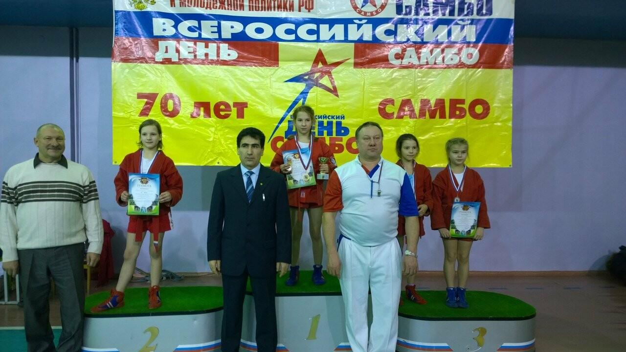 Псковские спортсмены завоевали медали на турнире по самбо в Мурманской области , фото-2