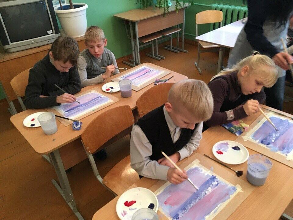 Для учащихся Пореченской школы провели мастер класс по рисованию пейзажей, фото-3