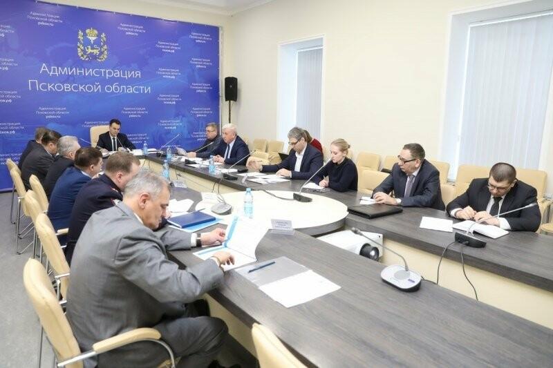 В преддверии выборов Президента РФ в Псковской области скоординировали работу по учету и уточнению списков избирателей, фото-1