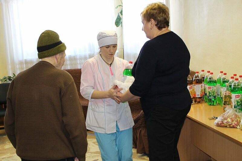 Псковская команда «Молодежки ОНФ» дала старт акции «Марафон добрых дел» в регионе, фото-1