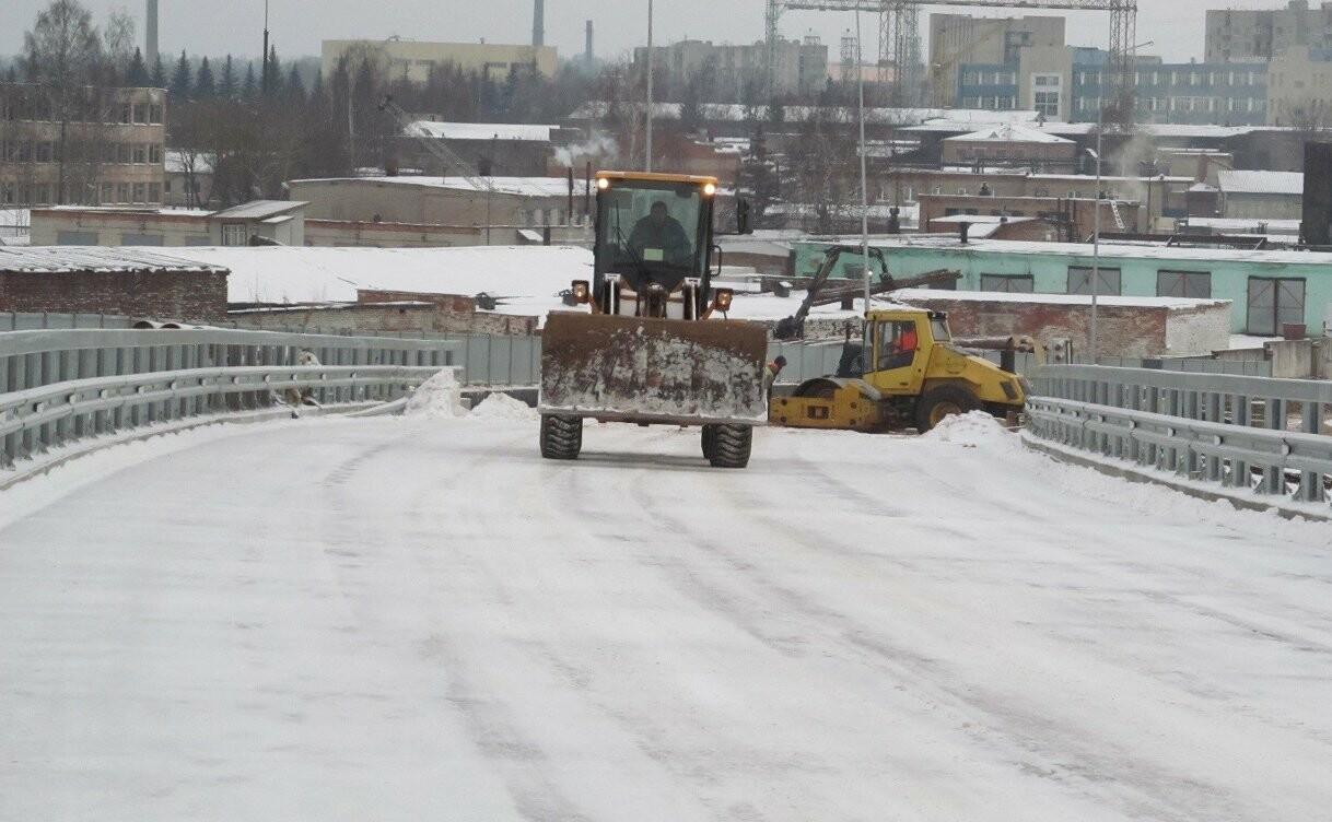 В Великих Луках продолжается строительство автодорожного путепровода через железную дорогу, фото-4
