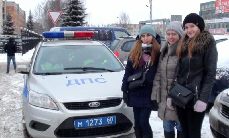В Пскове инспекторам ДПС помогают студенты, фото-1