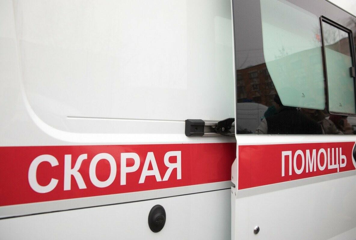 Главврачам Псковских областных больниц вручили ключи от новых машин скорой помощи, фото-2