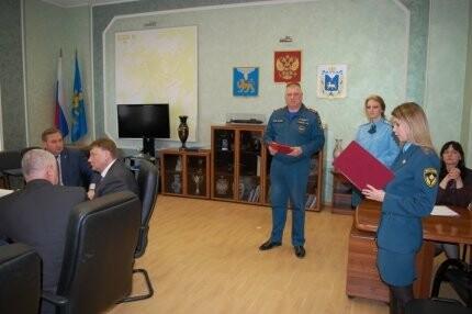 В Администрации Пскова состоялось награждение памятными медалями МЧС России, фото-2