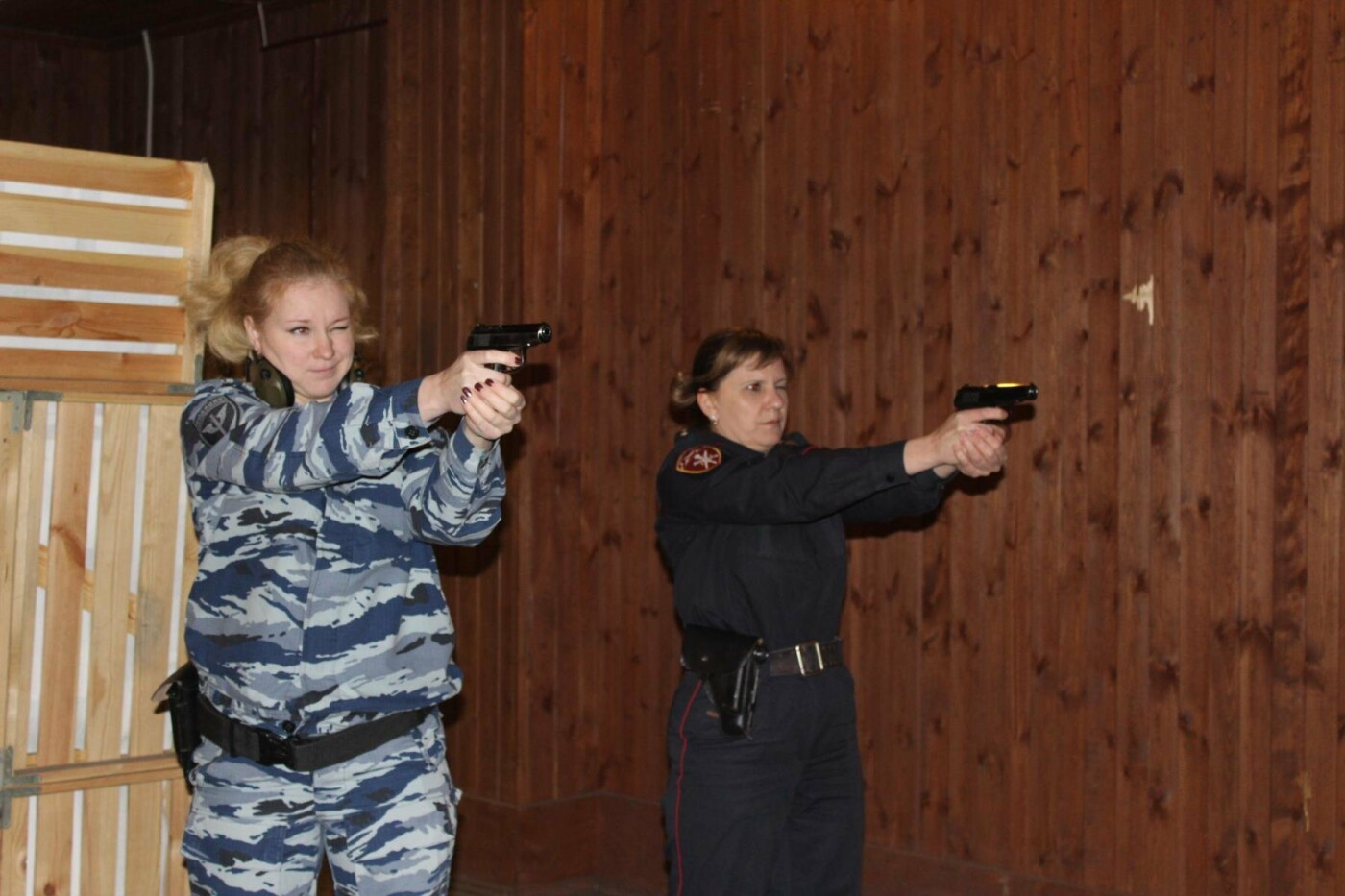В Отделе Росгвардии по Псковской области состоялся турнир по стрельбе среди женщин, фото-1