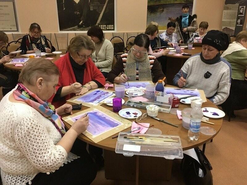 Псковские активисты ОНФ, в рамках акции «Связь поколений», провели мастер-классы для пожилых людей, фото-4