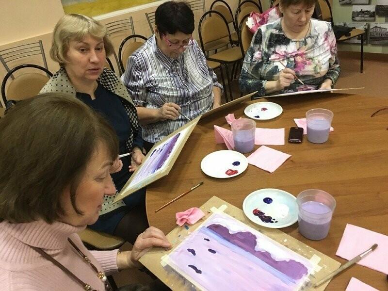 Псковские активисты ОНФ, в рамках акции «Связь поколений», провели мастер-классы для пожилых людей, фото-1