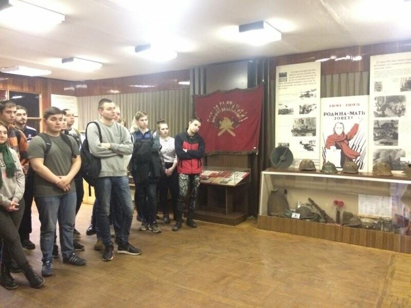 Псковские студенты посетили пожарно-техническую выставку, фото-1