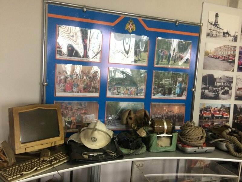 Псковские студенты посетили пожарно-техническую выставку, фото-3