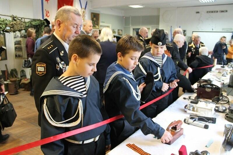 Псковские активисты ОНФ приняли участие в патриотической акции, посвященной Дню моряка-подводника, фото-1