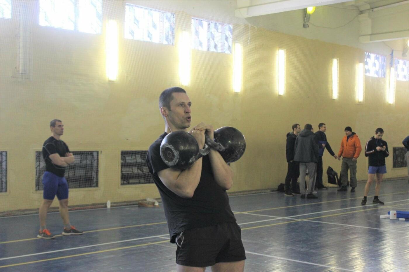 В Пскове состоялись соревнования по гиревому спорту между командами Росгвардии , фото-2