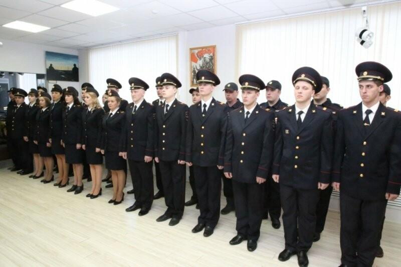 21 марта ряды псковской полиции пополнились новобранцами, фото-1