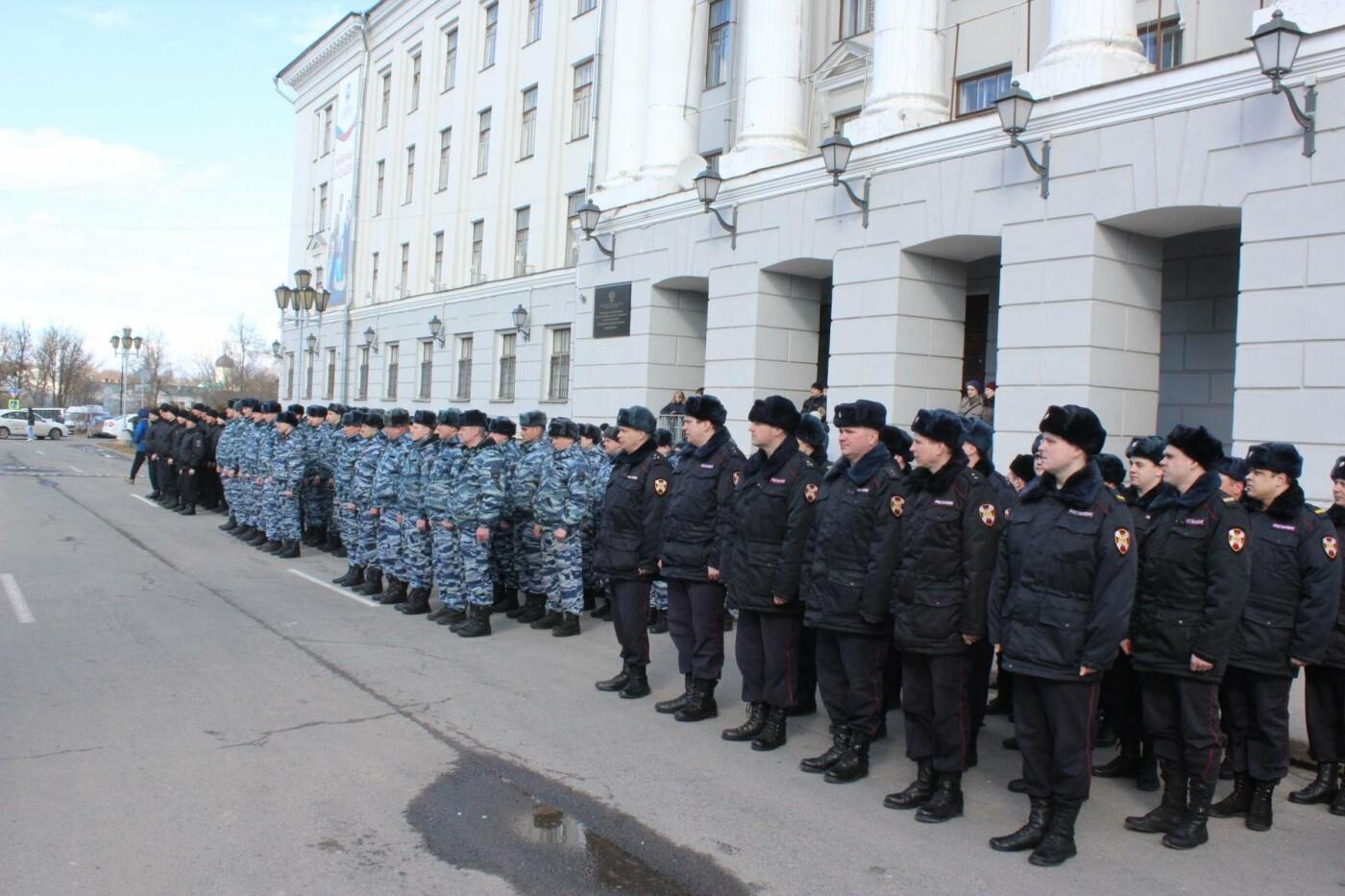 В Пскове состоялся гарнизонный развод нарядов Росгвардии, заступающих на службу по охране общественного порядка, фото-5