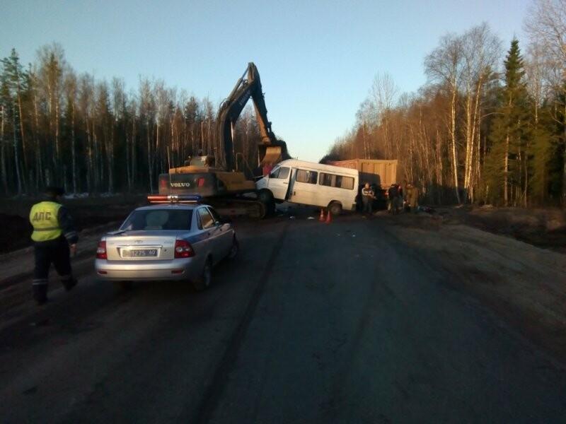 Сегодня в Струго-Красненском районе произошло ДТП, в котором пострадало 5 человек, фото-3