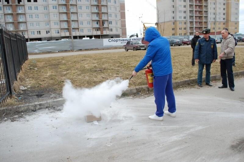В Пскове прошли занятия по пожарной безопасности в «Ледовом дворце», фото-3