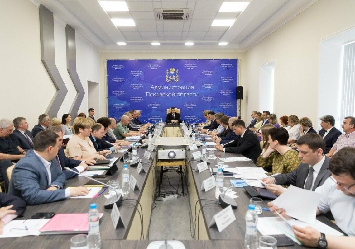 Объем дорожного фонда Псковской области вырос и составит более 5 млрд рублей, фото-1