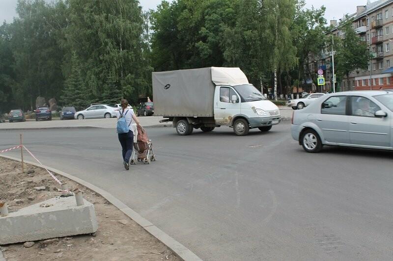 Активисты ОНФ добиваются принятия мер по обеспечению безопасности дорожного движения у площади Победы в Пскове, фото-2