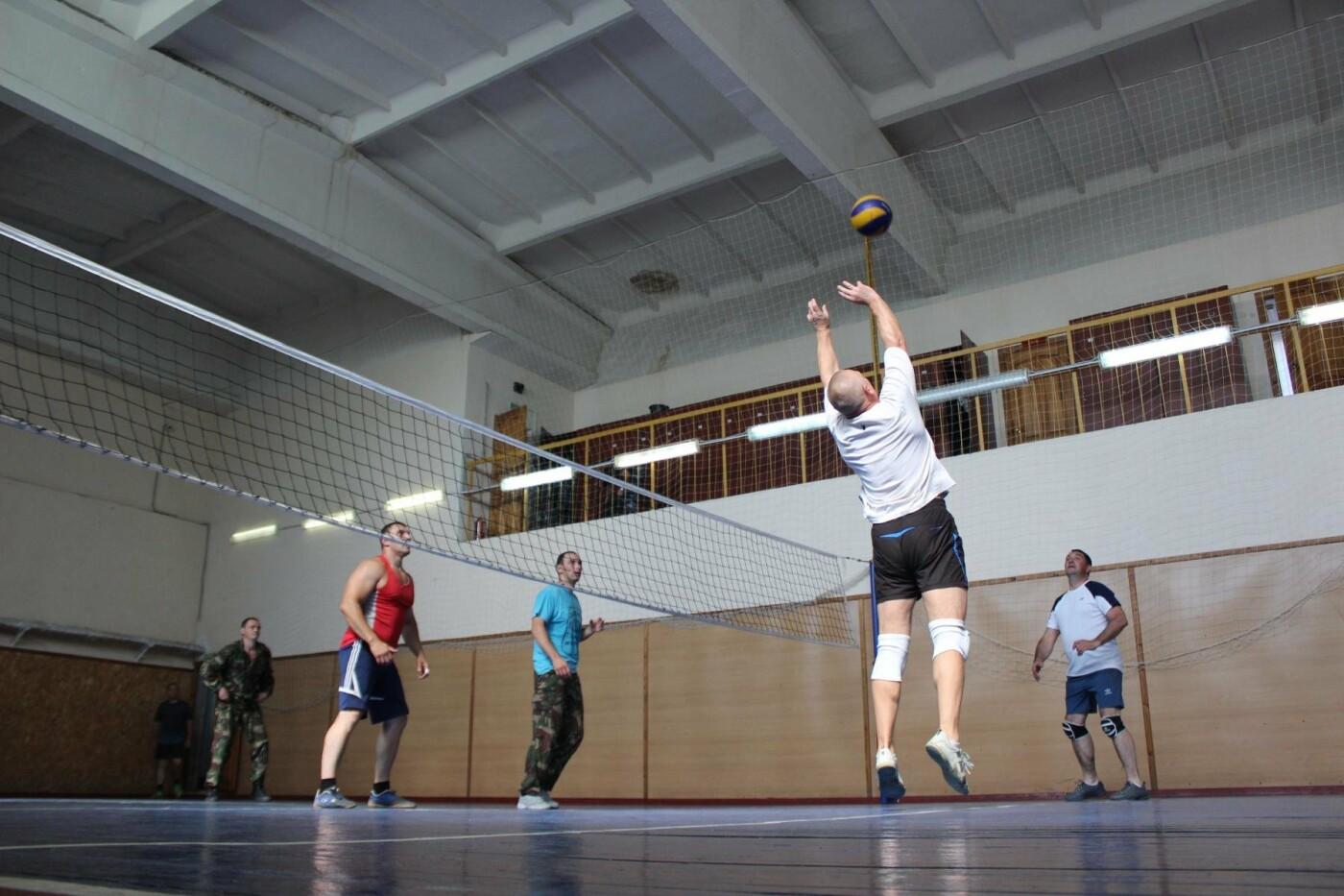 В Отделе Росгвардии по Псковской области прошел турнир по волейболу, фото-1
