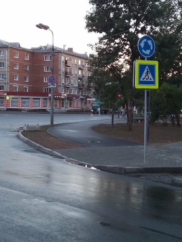 Активисты ОНФ добились принятия мер по обеспечению безопасности дорожного движения у площади Победы в Пскове, фото-1