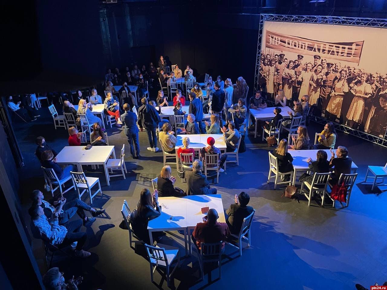Спектакли Псковского драмтеатра с восторгом приняла петербургская публика, фото-1