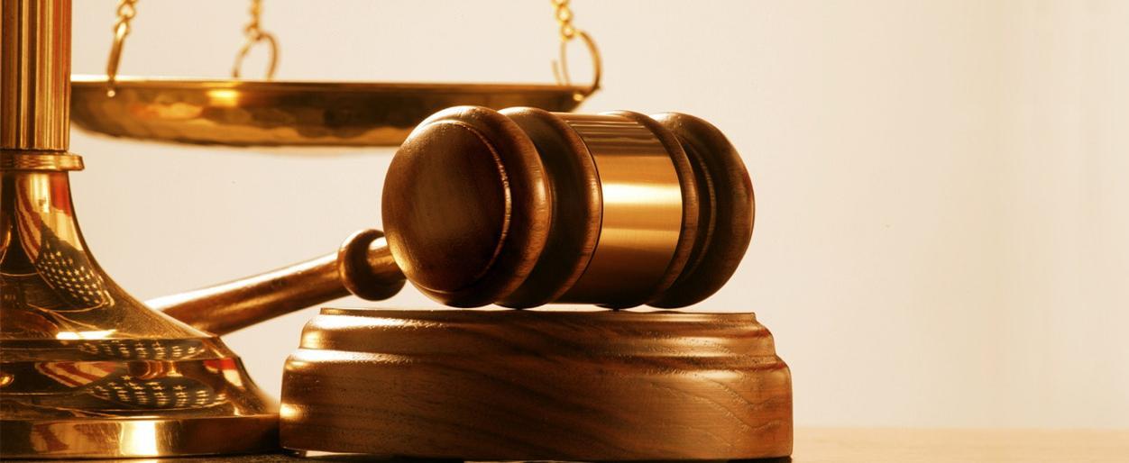 В Пскове прокурор добился выплаты компенсации за наем жилого помещения сироте